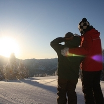 【冬】朝日を眺めるふたり