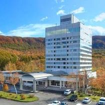 紅葉最盛期 ホテル外観
