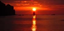 神威岩と夕日