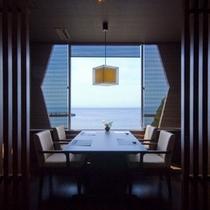 【レストラン】海を望むレストラン