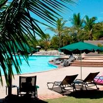 ■県内最大級!屋外プールでゆったりリゾート気分を・・・