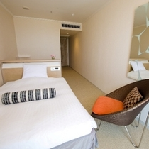 【客室】セミダブルルーム 〜 幅140cmのゆったりセミダブルベッド