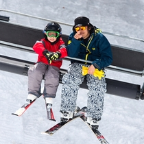 *苗場スキー場では小学生以下のリフト券無料!親子でスキーを楽しもう♪