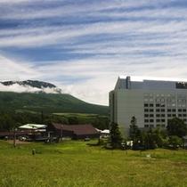 夏 ホテル&岩手山 500x500