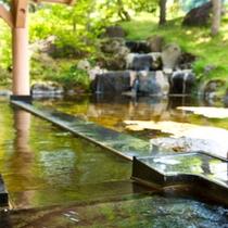 夏の源泉かけ流し露天風呂『雫石高倉温泉』