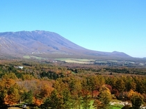紅葉の景色と岩手山