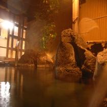 *露天風呂(夜)一例