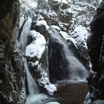山乗渓谷不動滝 冬