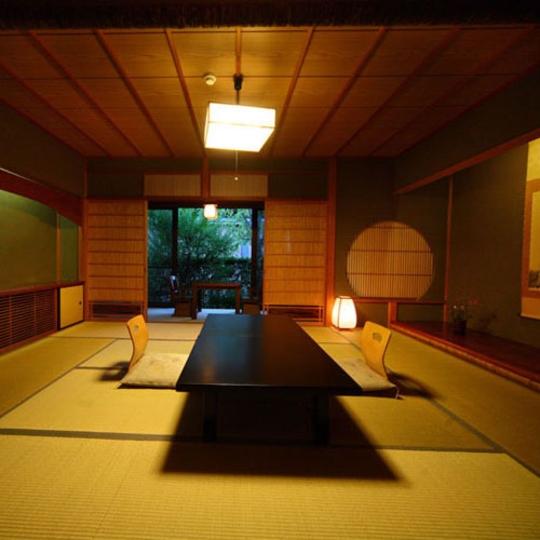金沢湯涌温泉 湯の出旅館の和室
