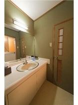 ■人気の和室8畳+4畳半+次の間3畳の洗面台