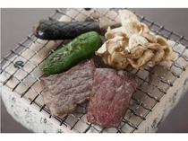 ■牛肉の炭火焼 網の上で・・・わいわいと!