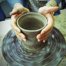 陶芸体験、難しいですが楽しいです