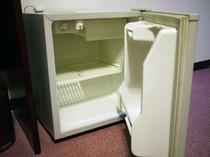 客室内冷蔵庫の中身は空になっております。