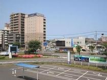 土浦駅東口の連絡デッキからの眺め