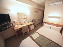デラックス120cm幅ベッド(窓側)