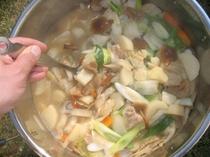 きのこたっぷり芋の子鍋