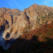 【秋の一ノ倉沢】秋には紅葉が美しい登山に人気スポットです。