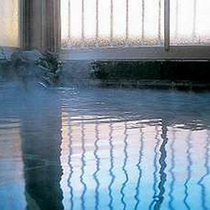 *南アルプスの麗より自噴する日本屈指の良質な天然温泉