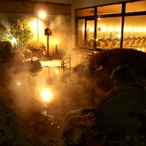 【風呂】露天温泉岩風呂 夜(イメージ)