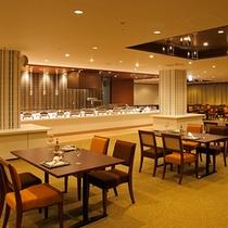 ホテル13階パノラマレストラン『天空の森』