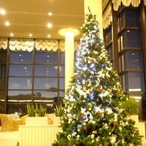 ロビーの3.5mのクリスマスツリー(イメージ)