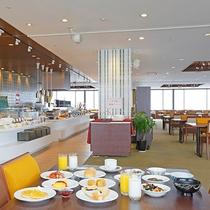【朝食】13階パノラマレストラン『天空の森』にて展望バイキング☆(イメージ)