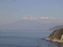 16. 恋人岬から富士山が