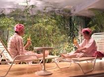 女性フロア日光浴スペース