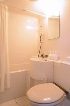 ☆客室のバスルーム☆ シャンプー・コンディショナー・ボディーソープもご用意しております♪