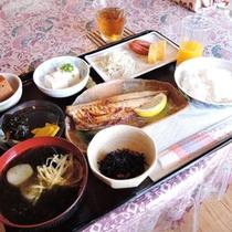 *【朝食一例】ごはんお替り自由!お腹いっぱいお召し上がり下さい。