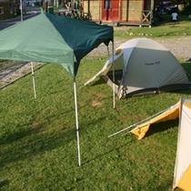 【朝里川温泉オートキャンプ場】お荷物が気になる方に、タープやテントのレンタルもあります♪