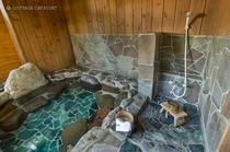 シャワースペース(ソープ、リンスなどは置いていません)