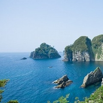 碧い海、複雑な海岸線の絶景