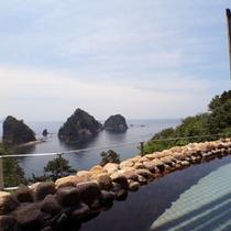<女性用露天風呂>三四郎島を目の前にした眺望がいつまでに入りたくなってしまいますね!