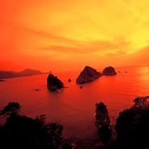 堂ヶ島の岬からの眺望は日本の夕陽百選の一つ♪思わず声を忘れるほどの絶景は必見♪