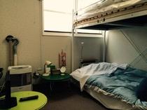 宿内・客室一例/1-2名様用洋室(二段ベッド)