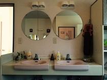 宿内・女性用洗面室