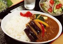 Aセット→夏野菜カレー・サラダ付き