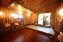 総檜造りの浴室