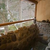 【露天風呂付客室】冬の冷気 湯のあたたかさがじんわり嬉しい