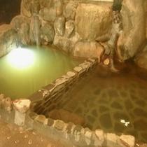 【大浴場】36℃と41℃の二層の炭酸泉風呂 交互浴で効果を発揮!