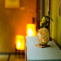 館内和ロウソクの灯り 2