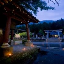 【8月7日】旧七夕様 当館お寺と冨士神社をつなぐキャンドルの天の川