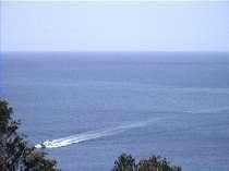 我家の前の海の風景