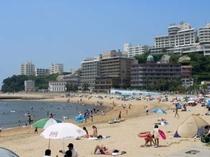 【部屋から水着でビーチへ!】海水浴場まで専用エレベーター利用でたったの徒歩3分!