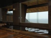 【内風呂】大理石大浴場、檜大浴場、サウナ風呂3室がございます。