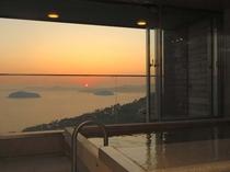 【貸切風呂】天下の絶景!三河湾の夕日をご覧頂きながらお部屋で過ごすひととき♪
