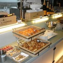 ご朝食は和洋どちらも楽しめる『バイキング』♪※『和定食』になる場合もございます。