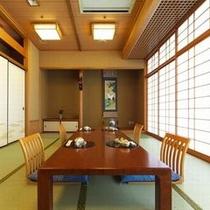 【日本料理『四季亭』】少人数でご利用の方にも、くつろげる個室をご用意いたします。