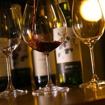 【ワイン】穏やかで優しい味わいの新潟産ワイン。お料理とのマリアージュをお楽しみください。